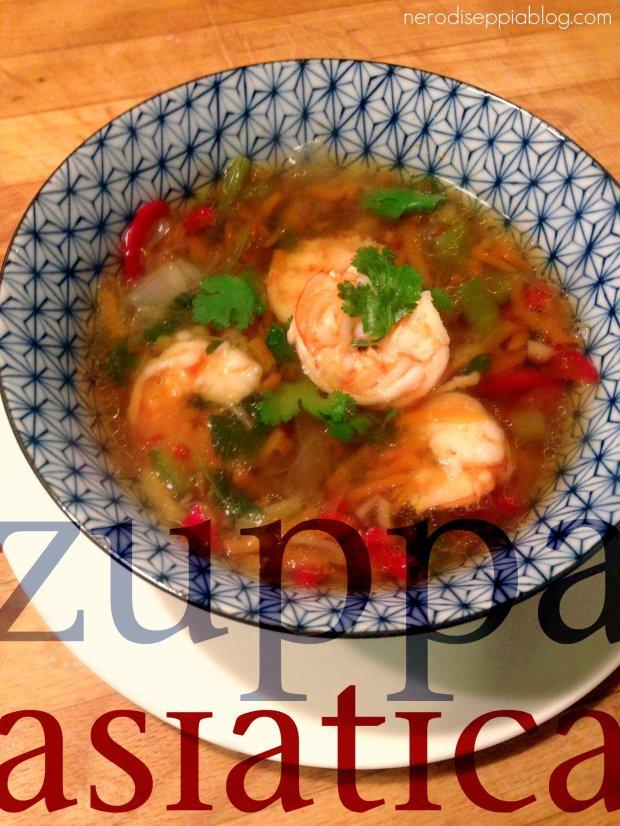 Zuppa asiatica gamberi e coriandolo